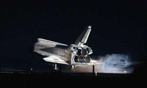 Atlantis-returns-final-mission-space-20110721-035047-386